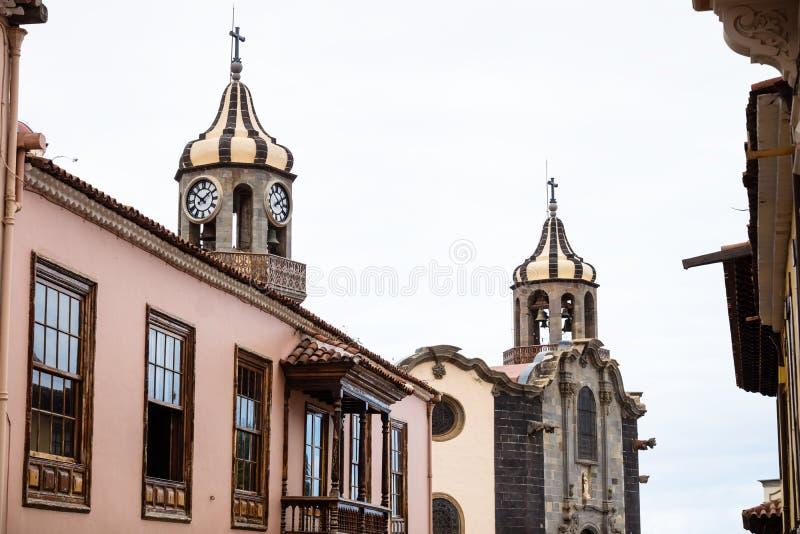 Churchtowers de Iglesia de Nuestra Senora de la Concepcion, a igreja do La Concepción, Orotava, Tenerife, Espanha imagens de stock royalty free