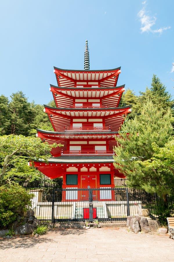 Chureito o la pagoda roja es el lugar famoso cerca de soporte de Fuji foto de archivo libre de regalías