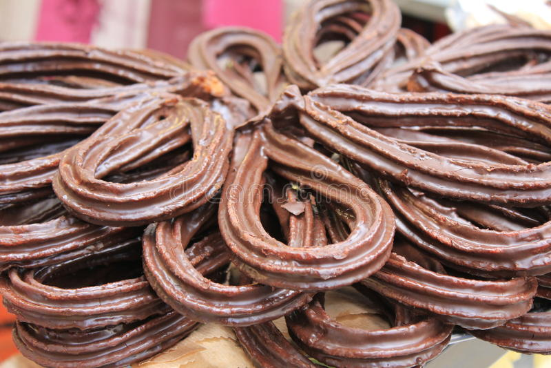 Churros avec du chocolat à Valence, Espagne photographie stock libre de droits