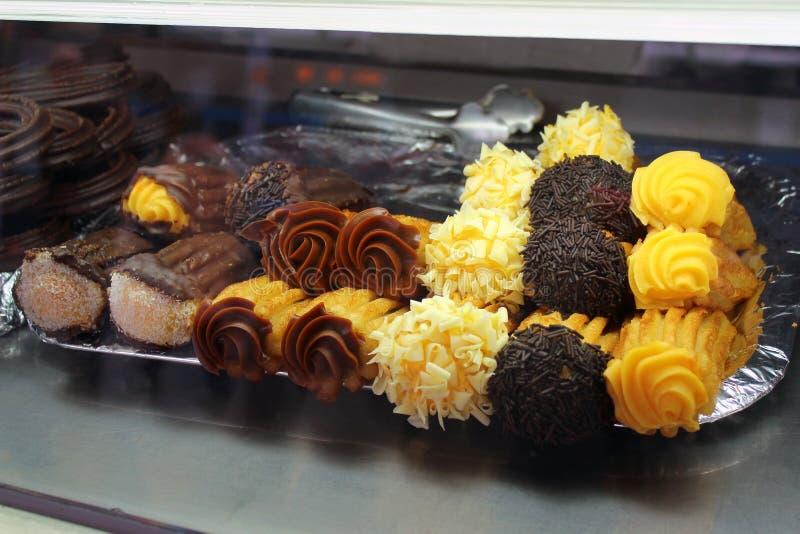 Churros, spuntino spagnolo tradizionale della pasticceria della friggere-pasta immagine stock