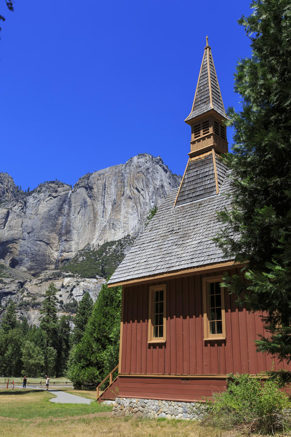 Chute de chapelle de Yosemite et de yosemite de stimulant photo libre de droits