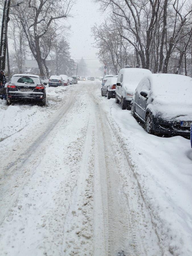 Chute de neige importante à Bucarest images stock