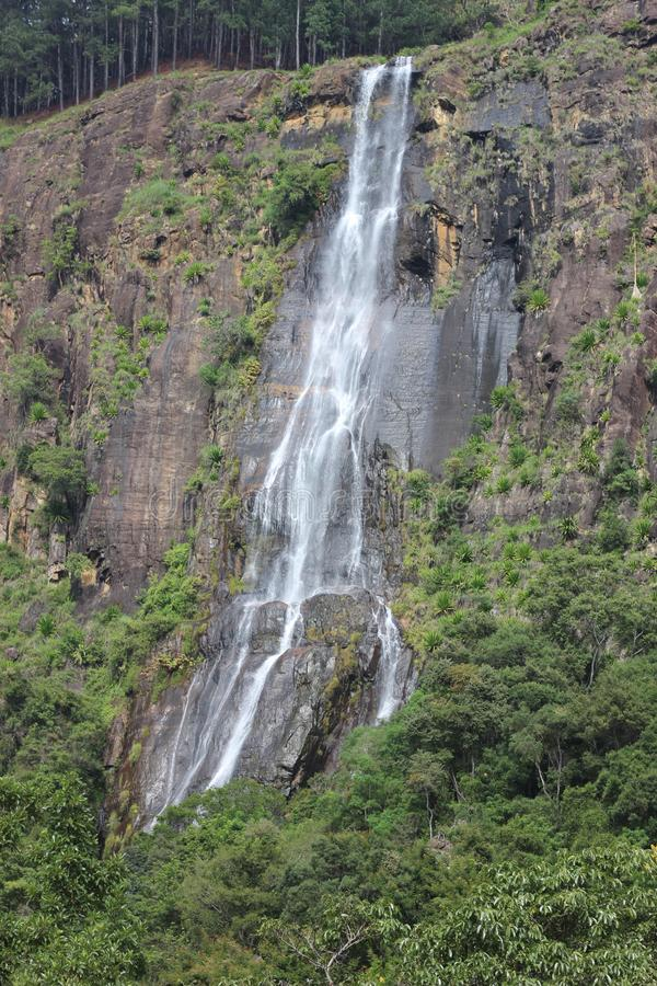 Chute Sri Lanka de l'eau de Bamarakandal photo libre de droits