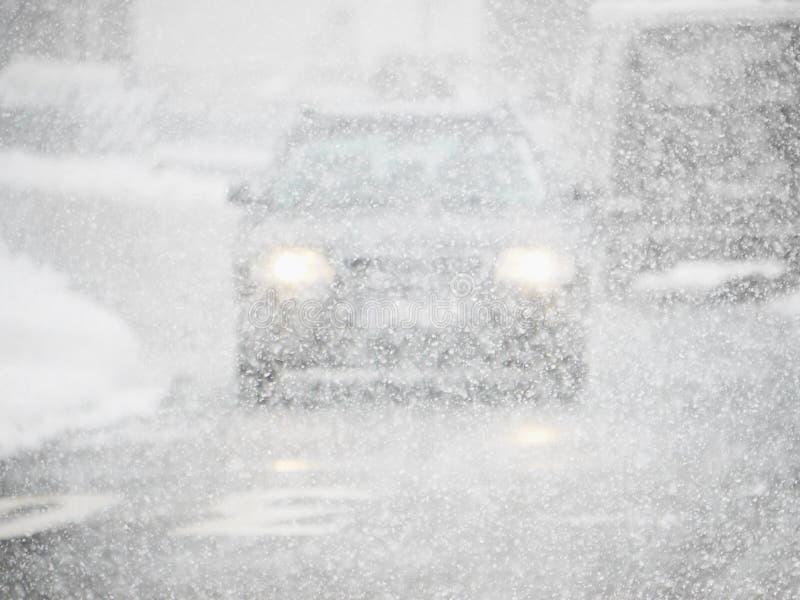 Chutes de neige de voiture photos libres de droits
