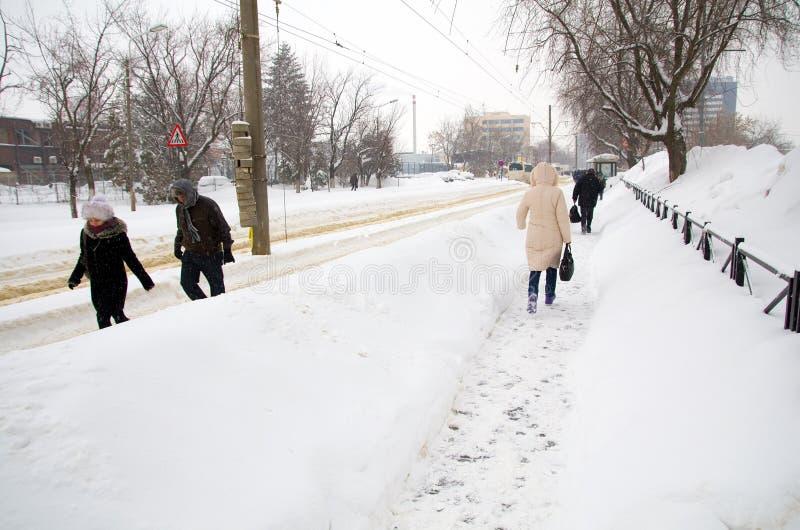 Chutes de neige extrêmes - chutes de neige lourdes photos stock