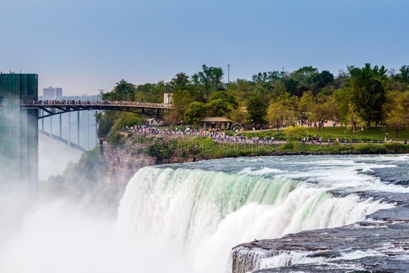 Chutes du Niagara - vue des Etats-Unis photographie stock libre de droits