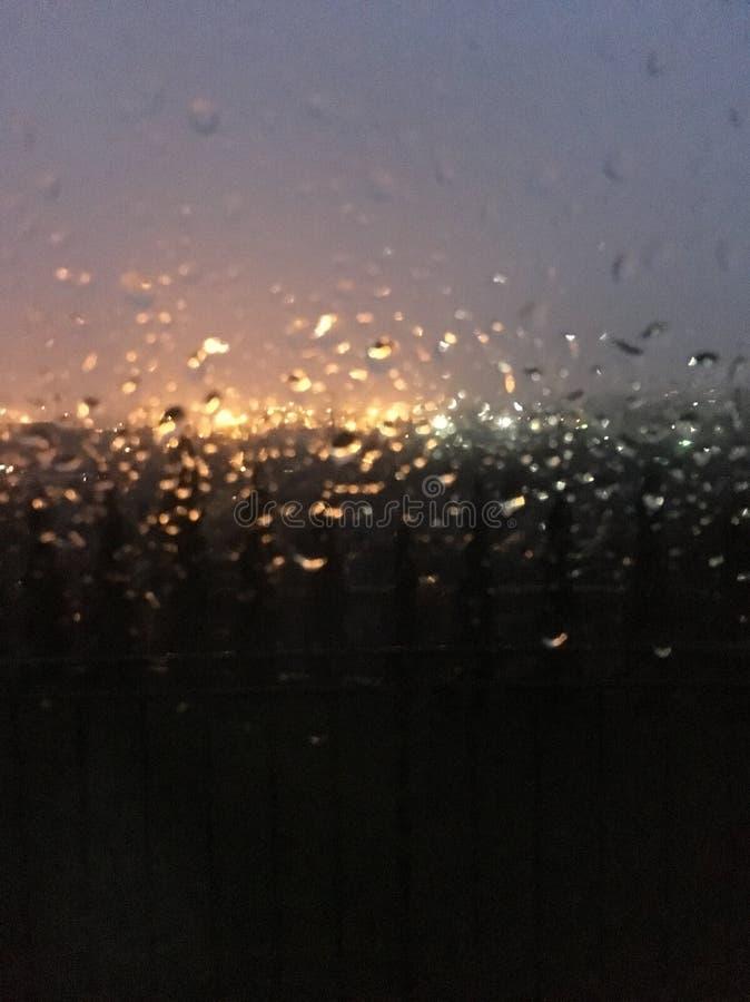 Chuva da noite imagens de stock royalty free