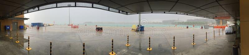 Chuva fria da manhã do ar do porto marítimo imagem de stock royalty free