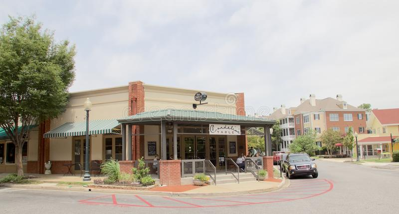 Chybienie Cordelia stół przy schronienia miasteczkiem w W centrum Memphis obraz stock