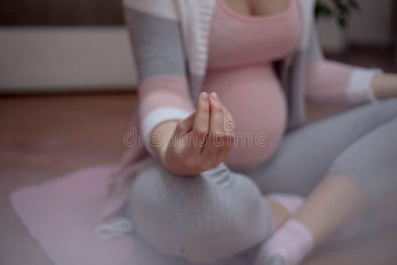 Ciężarny joga zdjęcie stock