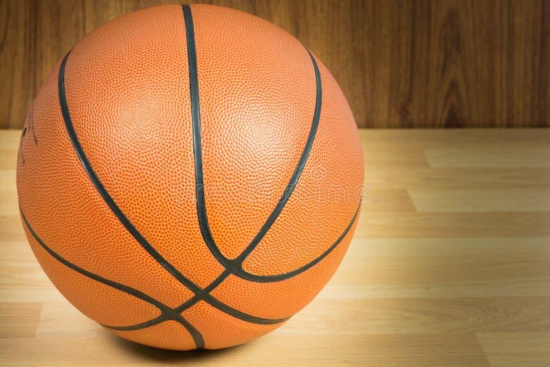 Ciérrese encima de baloncesto fotos de archivo