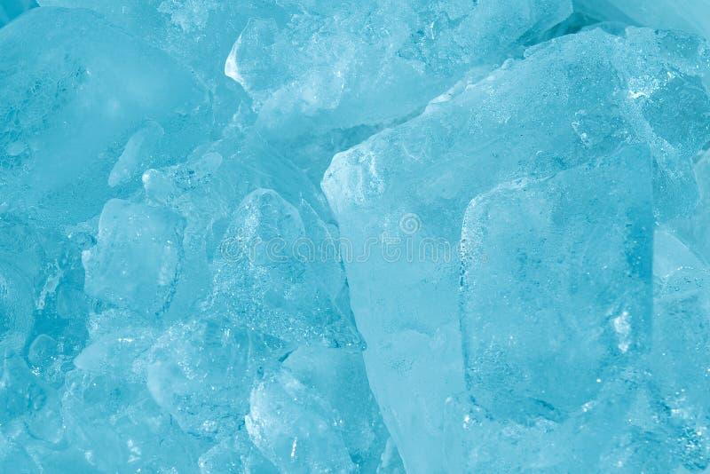 Ciérrese encima de fondo azul suave congelado hielo del extracto del estilo del tono imagen de archivo libre de regalías