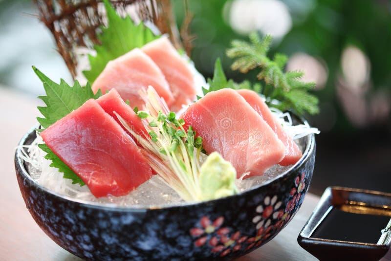Ciérrese encima de la comida japonesa del atún imagen de archivo libre de regalías