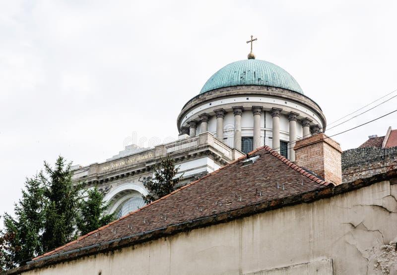 Ciérrese encima de la foto de la basílica en Esztergom, Hungría, herit cultural foto de archivo libre de regalías