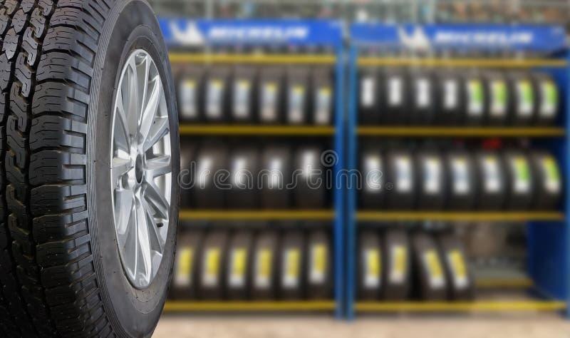 Ciérrese encima de los neumáticos foto de archivo