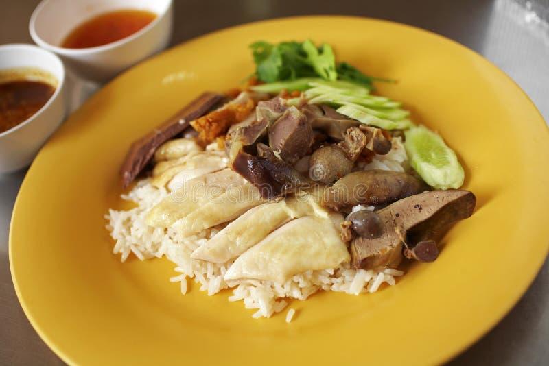 Download Ciérrese Encima De Pollo Y Del Arroz Cocidos Al Vapor Chino Imagen de archivo - Imagen de tailandés, asiático: 42442325