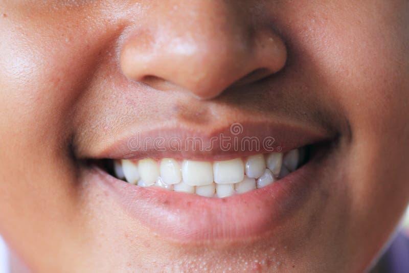 Ciérrese encima de sonrisa imagen de archivo