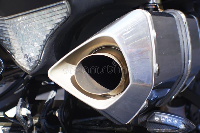 Ciérrese encima de tiro de los tubos de escape de la motocicleta foto de archivo libre de regalías