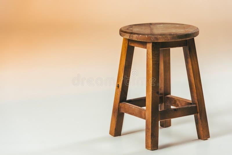 ciérrese encima de vista de la silla de madera pasada de moda fotos de archivo libres de regalías