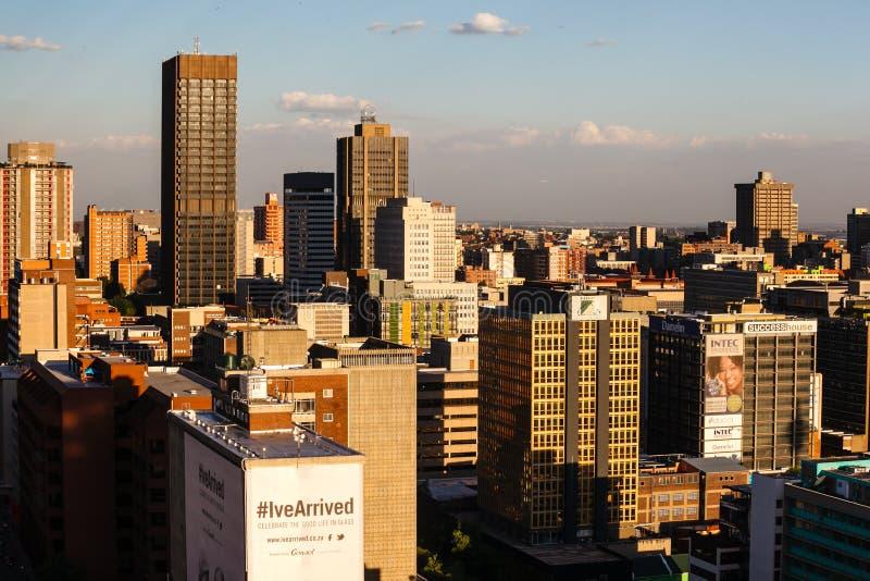 Ciérrese encima del detalle de rascacielos en Johannesburgo céntrico fotografía de archivo libre de regalías