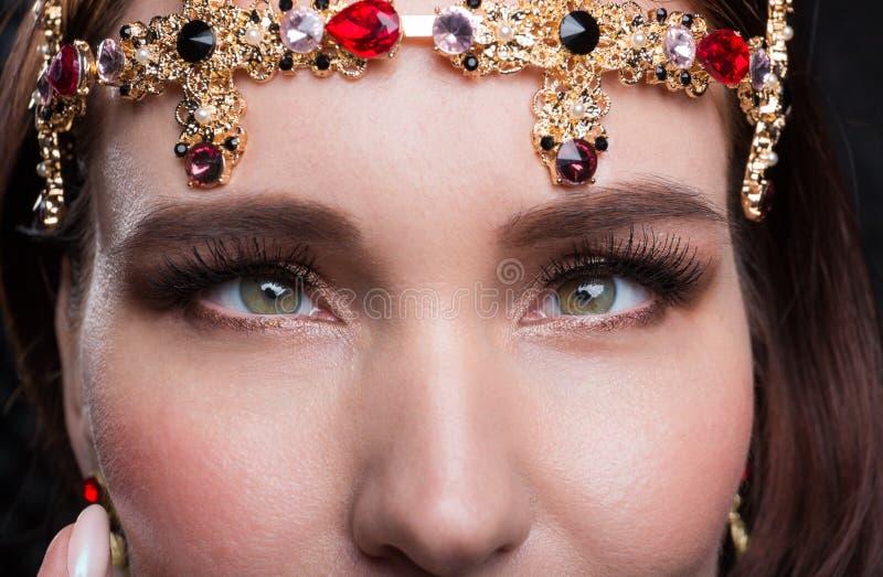 Ciérrese encima del retrato de la belleza de un modelo fotos de archivo libres de regalías
