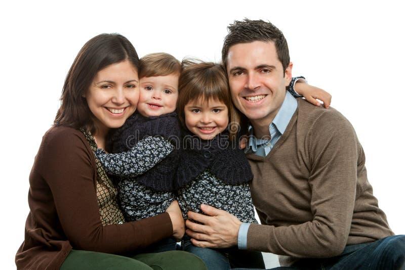 Familia feliz que presenta junto. fotografía de archivo libre de regalías