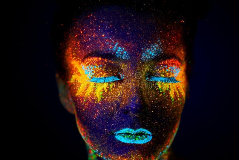 Ciérrese encima del retrato ultravioleta del arte imagen de archivo