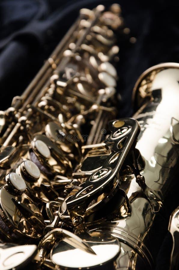 Ciérrese encima del saxofón imágenes de archivo libres de regalías