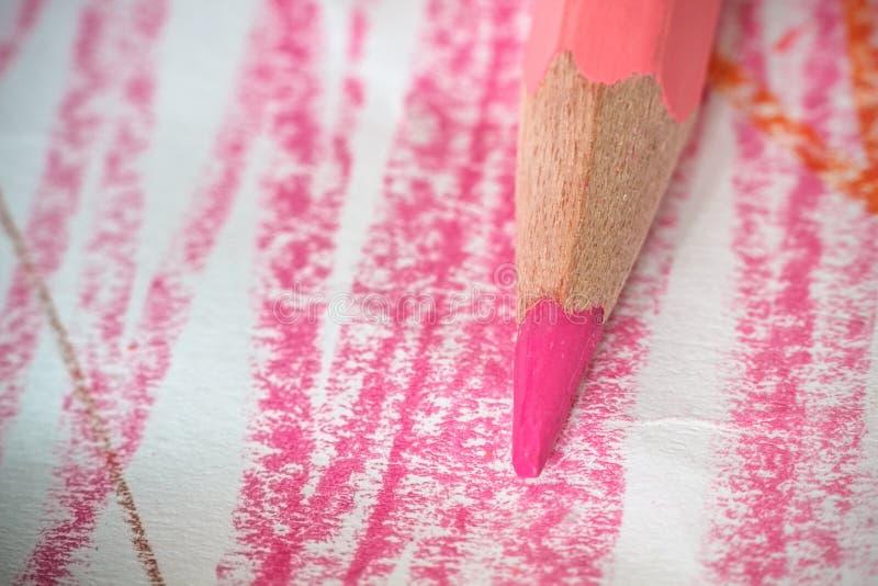 Ciérrese encima del tiro macro de las semillas del lápiz de la pila del lápiz del color foto de archivo libre de regalías