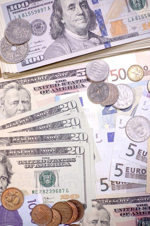 Ciérrese para arriba de billete de banco y de moneda imágenes de archivo libres de regalías