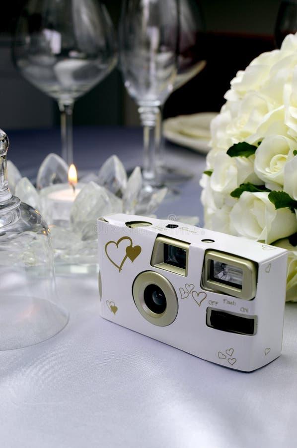 Ciérrese para arriba de cámara de la boda fotografía de archivo libre de regalías