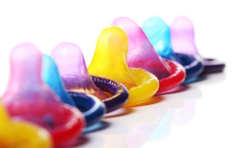 Ciérrese para arriba de condones coloridos foto de archivo libre de regalías