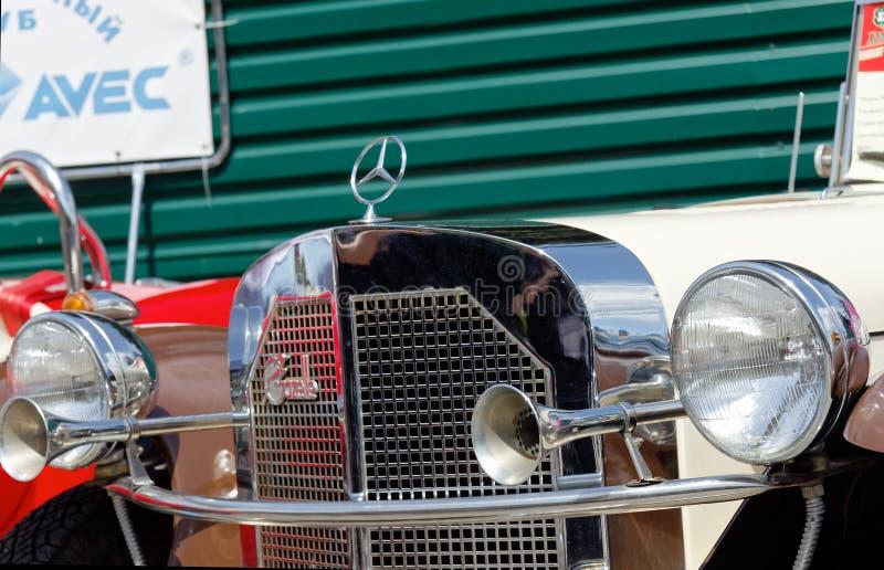 Ciérrese para arriba de imagen común automotriz del vintage de Mercedes-Benz Gazelle imagen de archivo