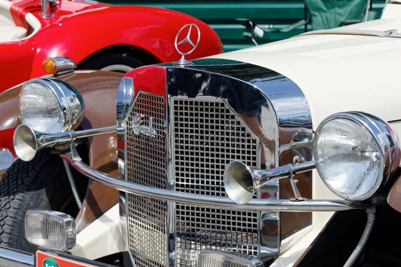 Ciérrese para arriba de imagen común automotriz del vintage de Mercedes-Benz Gazelle fotos de archivo