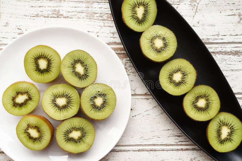 Ciérrese para arriba de la fruta de kiwi fresca fotos de archivo