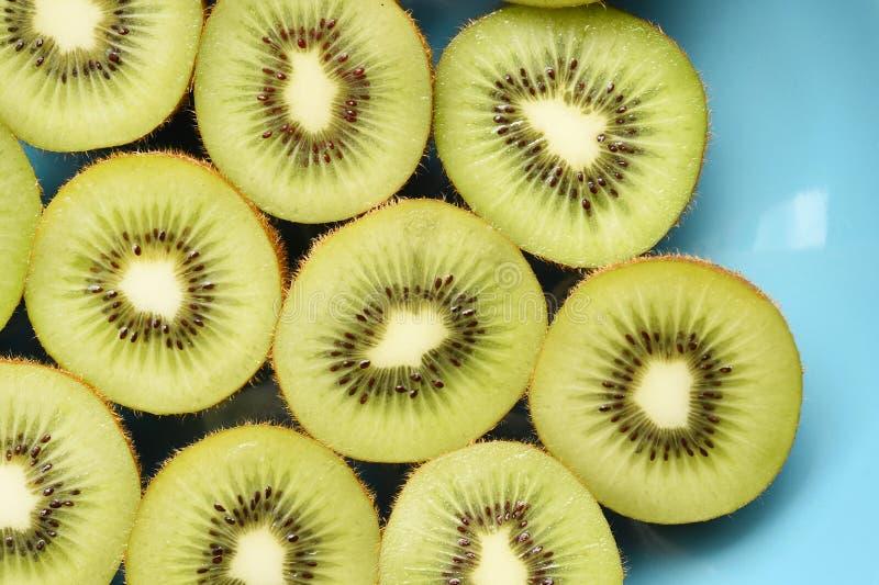 Ciérrese para arriba de la fruta de kiwi fresca imágenes de archivo libres de regalías