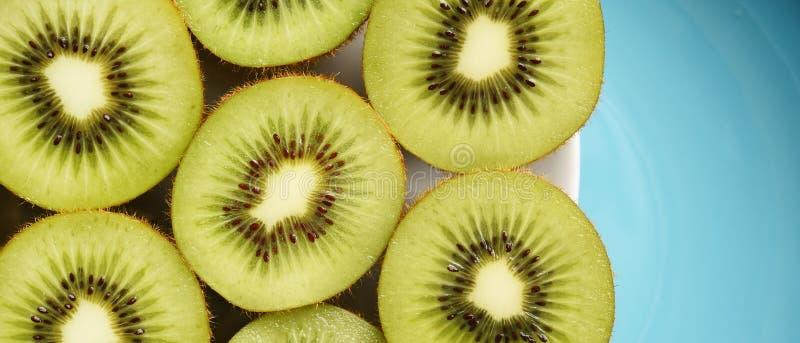 Ciérrese para arriba de la fruta de kiwi fresca imagen de archivo