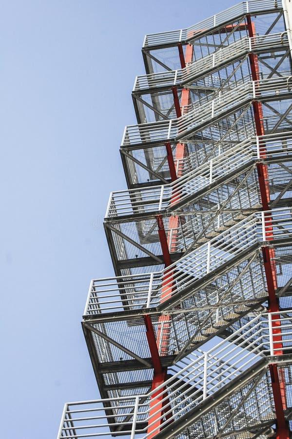 Ciérrese para arriba de las escaleras del escape fotografía de archivo libre de regalías