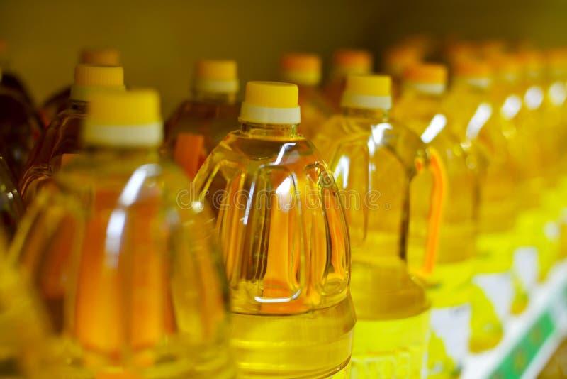Ciérrese para arriba de los aceites de cocina fotografía de archivo