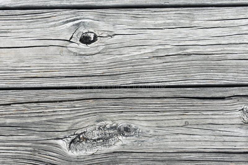 Ciérrese para arriba de los tablones de madera en un muelle fotografía de archivo