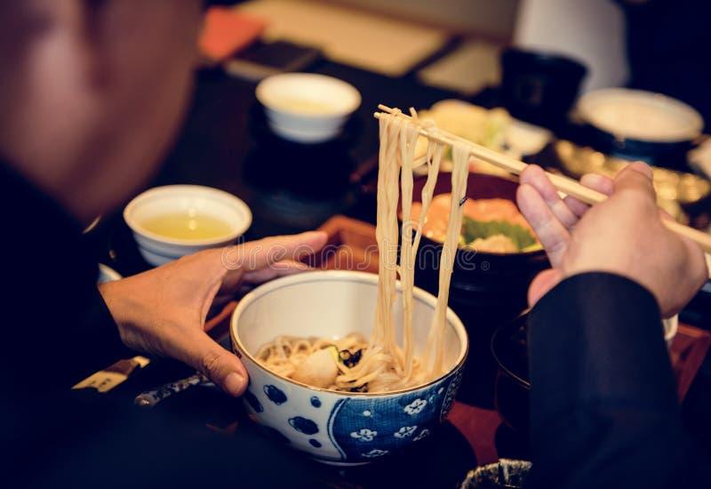 Ciérrese para arriba de los tallarines de Soba, comida japonesa fotografía de archivo libre de regalías