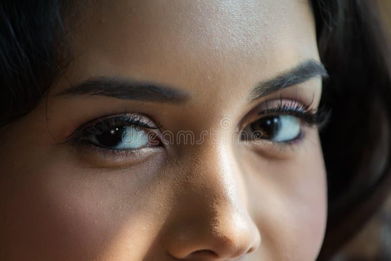Ciérrese para arriba de mujeres de los ojos foto de archivo libre de regalías