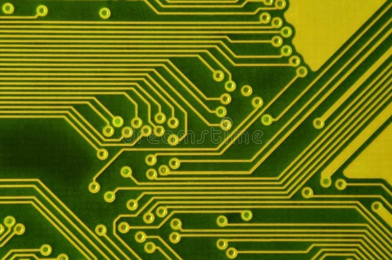 Ciérrese para arriba de placa de circuito micro coloreada Fondo abstracto de la tecnología Mecanismo del ordenador detalladamente imagen de archivo libre de regalías