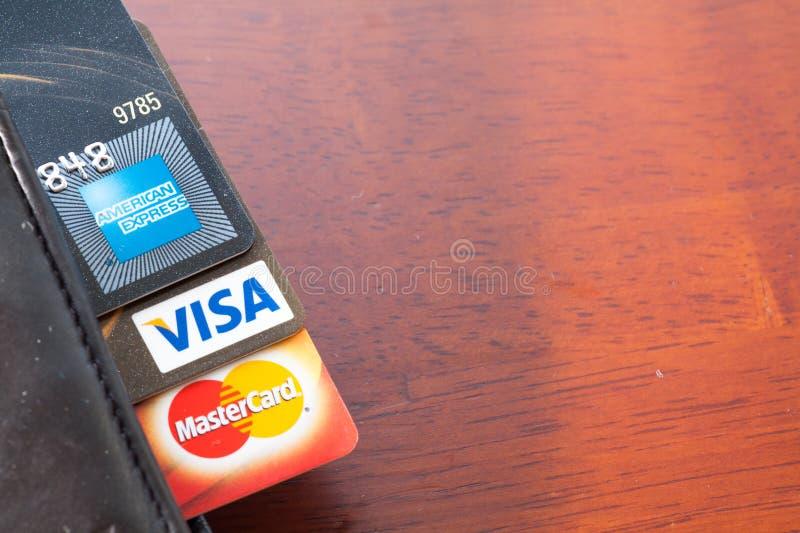 Ciérrese para arriba de tarjetas de crédito, de Master Card, de VISA y de American Express foto de archivo libre de regalías
