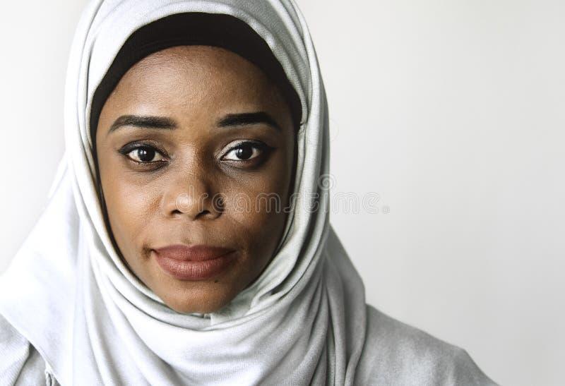Ciérrese para arriba de un hijab que lleva de la mujer imagen de archivo libre de regalías