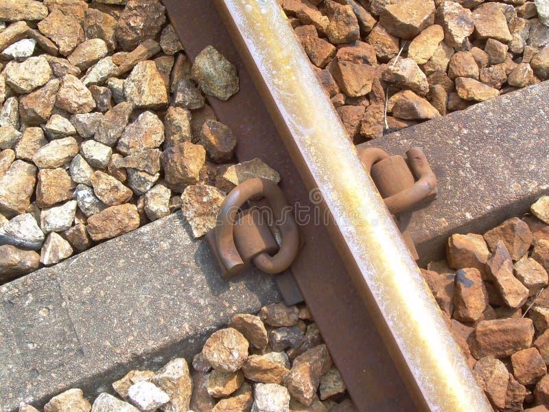 Ciérrese para arriba de una pista ferroviaria fotografía de archivo