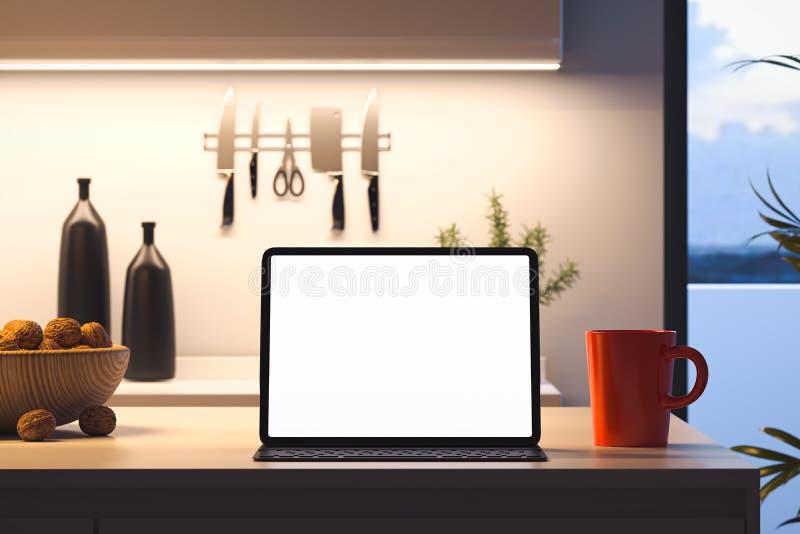 Ciérrese para arriba del ordenador portátil con la pantalla blanca en blanco en la tabla en interior moderno de la cocina represe libre illustration