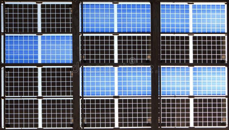 Ciérrese para arriba del panel solar imagen de archivo
