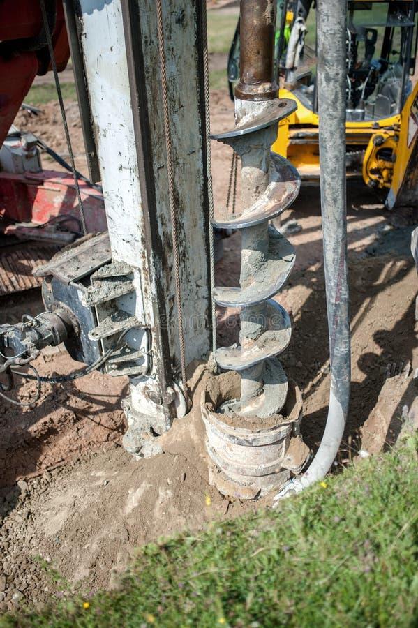 Ciérrese para arriba del taladro de la construcción, plataforma de perforación industrial fotos de archivo