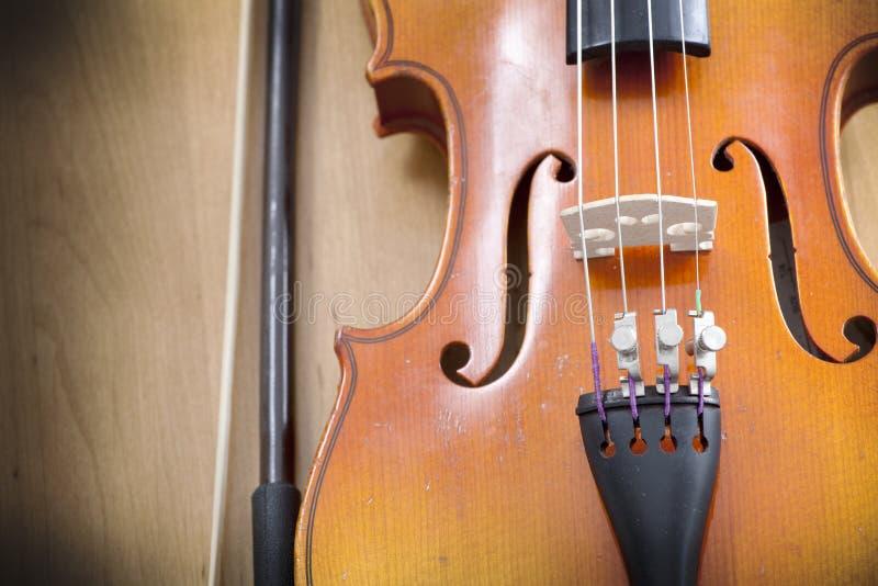 Ciérrese para arriba del violín con un fiddlestick imagen de archivo libre de regalías
